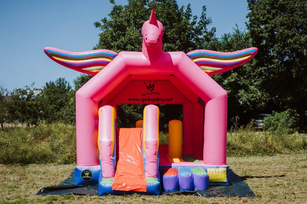 Pinkes Einhorn, pink unicorn, Hüpfburg SpringDing GbR, pink, Einhorn, Unicorn, Rutsche, Party, Feier, Kindergeburtstag, Hüpfburg, mieten